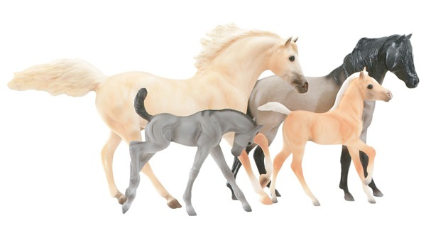 Mesteno And Mesteno/'s Mother Breyer Classic Spirit Kiger Mustang Family